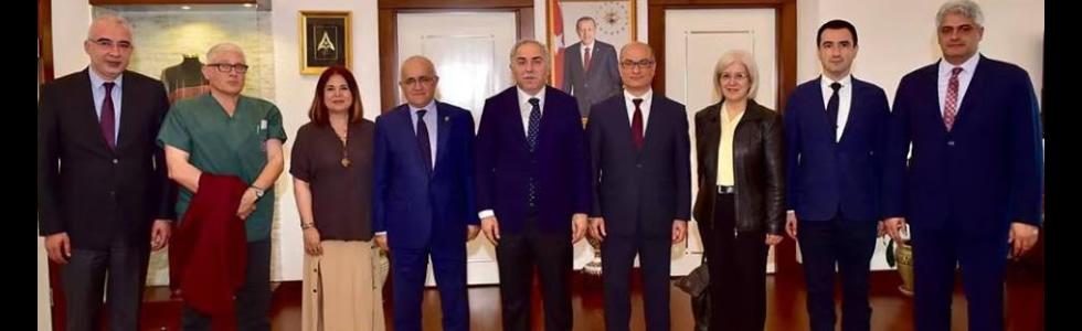 Fatih Belediye Başkanı sayın Ergün Turan'a hayırlı olsun ziyaretinde bulunduk.